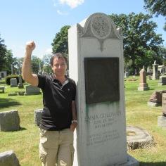 Tombe d'Emma Goldman (militante libertaire et féministe russe émigrée aux USA) au cimetière de Forest Home à Forest Park dans la banlieue de Chicago. En savoir plus sur Emma Goldman : https://fr.wikipedia.org/wiki/Emma_Goldman