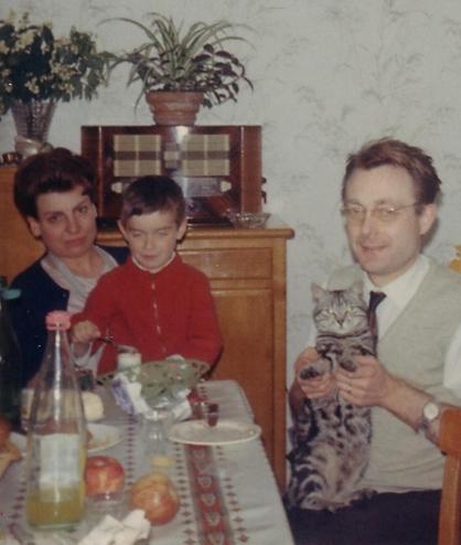 maman Eric papa et Nanou en 1966