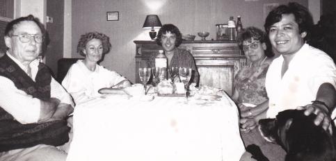 De gauche à droite : mon père, ma compagne, moi, ma mère, Dagoberto et Charly - Lille - 1991